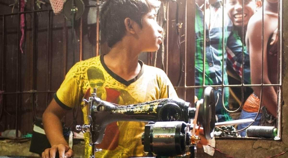 ubrania, szycie, przemysł odzieżowy, niewolnictwo